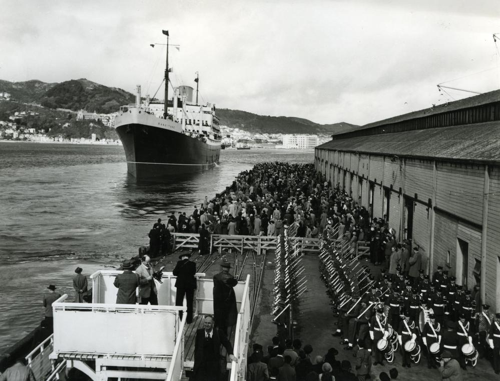 CHAPLAINS ON ASSISTED IMMIGRANT VOYAGES TO NEW ZEALAND (1/3)