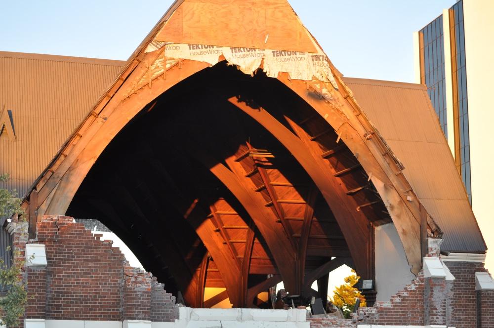 Knox Church Congregation Return to their Church Building for Worship (2/6)