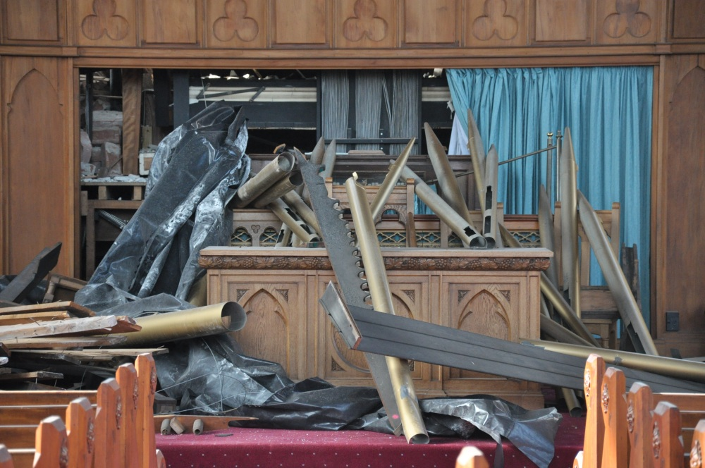 Knox Church Congregation Return to their Church Building for Worship (6/6)